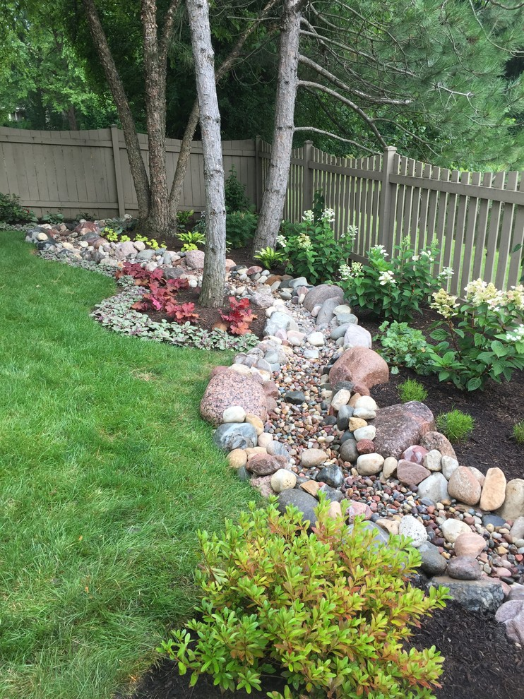 Backyard Dry River Bed Transitional Landscape Chicago By