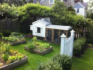 Backyard garden farmhouse landscape boston by for Amenager jardin 400m2