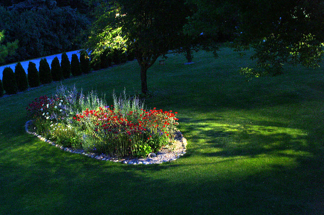 Outdoor Landscape Lighting Examples : Backyard lighting examples traditional landscape