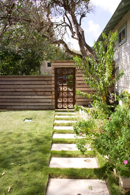 Backyard Office and Courtyard eclectic-landscape