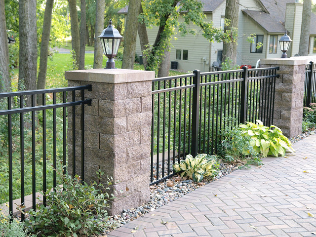Backyard Patio Fence With Posts And Accent Lighting Contemporary Garden
