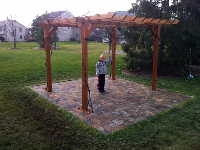 Backyard pergola diy