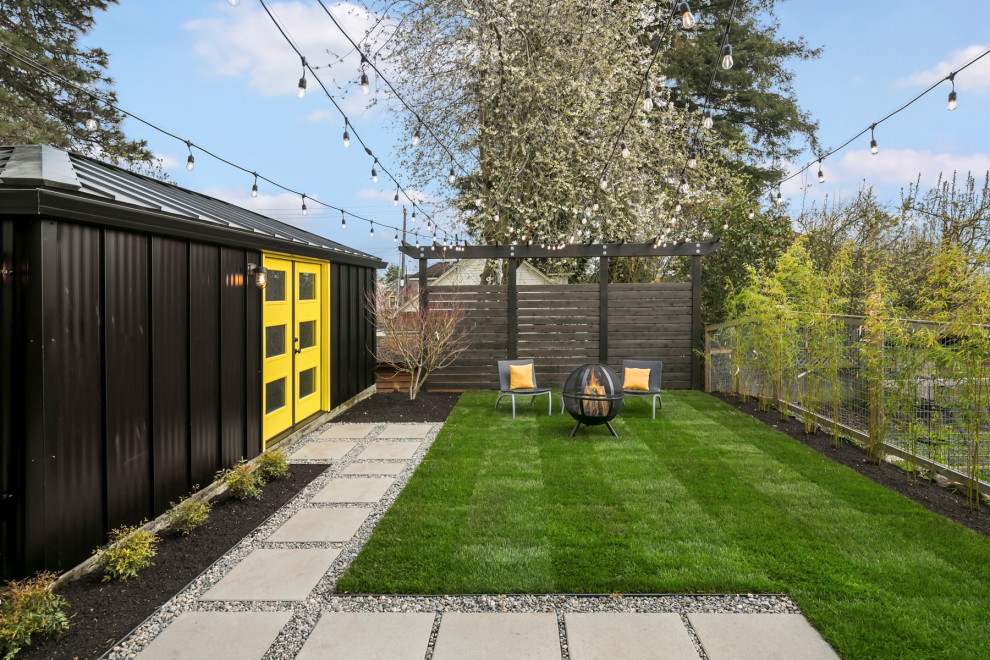 This is an example of a contemporary landscaping in Seattle.