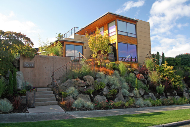 Inspiration For A Contemporary Front Yard Retaining Wall Landscape In Seattle