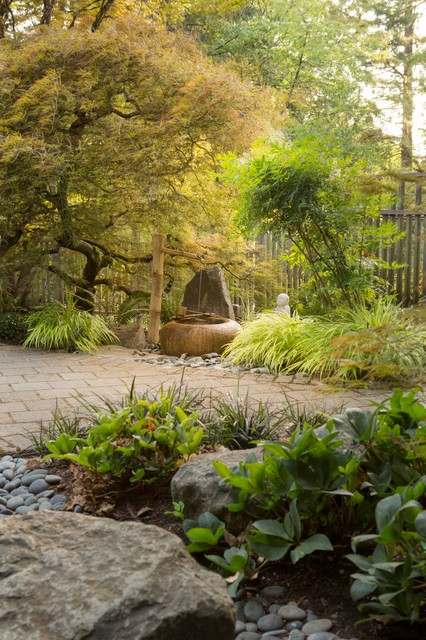 This is an example of a traditional landscaping in Portland.