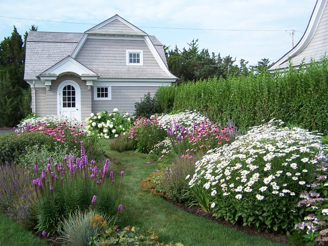 Bayside compound beach style landscape new york by for Compound garden designs
