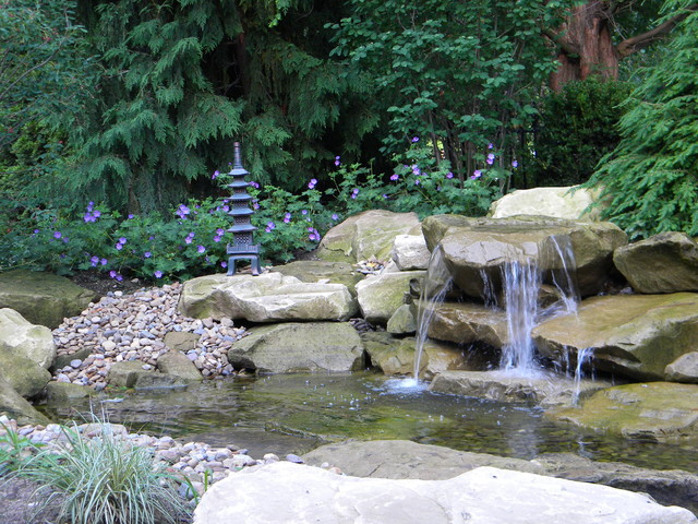 This is an example of a rustic landscaping in Cleveland.