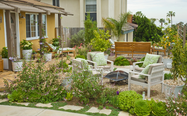 A Welcoming Backyard for your House