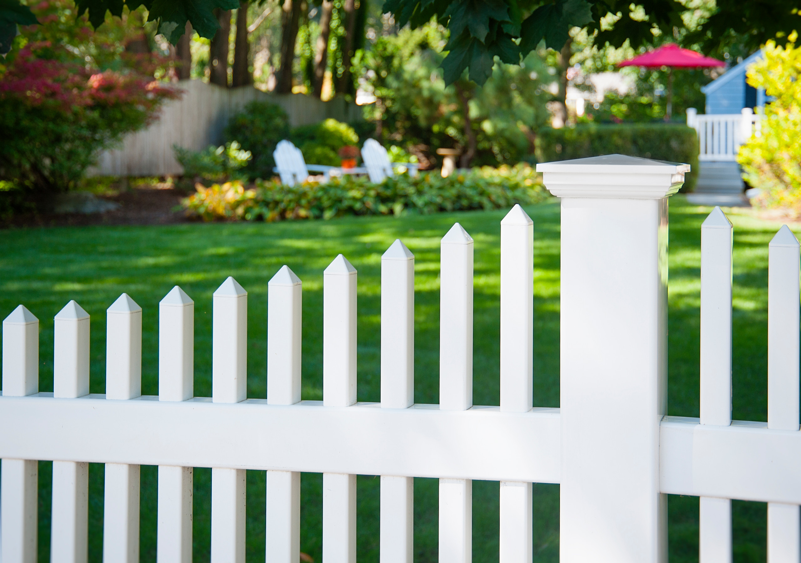 Decorative Outdoor Picket Fence White  from st.hzcdn.com