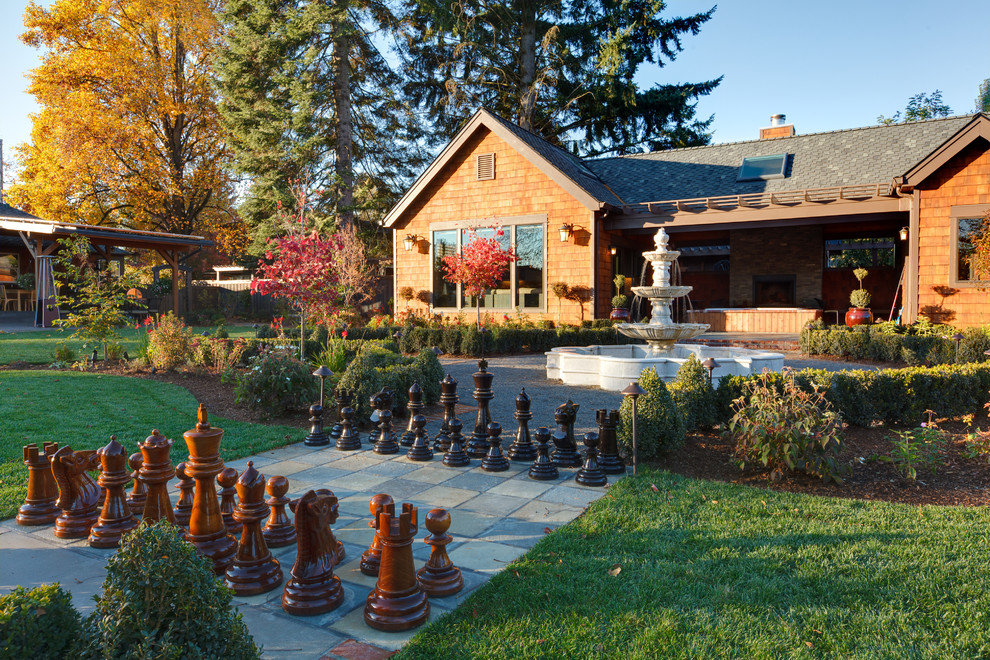 Photo of a transitional water fountain landscape in Portland.
