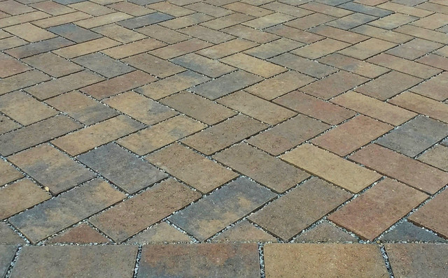 Belgard aqua roc permeable pavers contemporary for Belgard urbana pavers