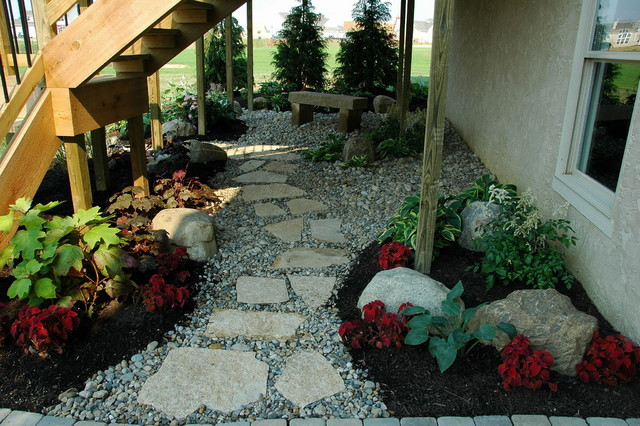 Landscaping under a high deck : Bia parade of homes traditional landscape