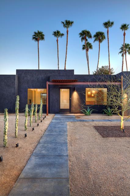 Southwestern Landscape by Spry Architecture
