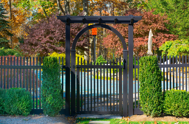 Black Vinyl Pvc Picket Fence From Illusions Fence Transitional
