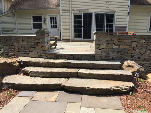 This is an example of a traditional backyard landscaping in Bridgeport.