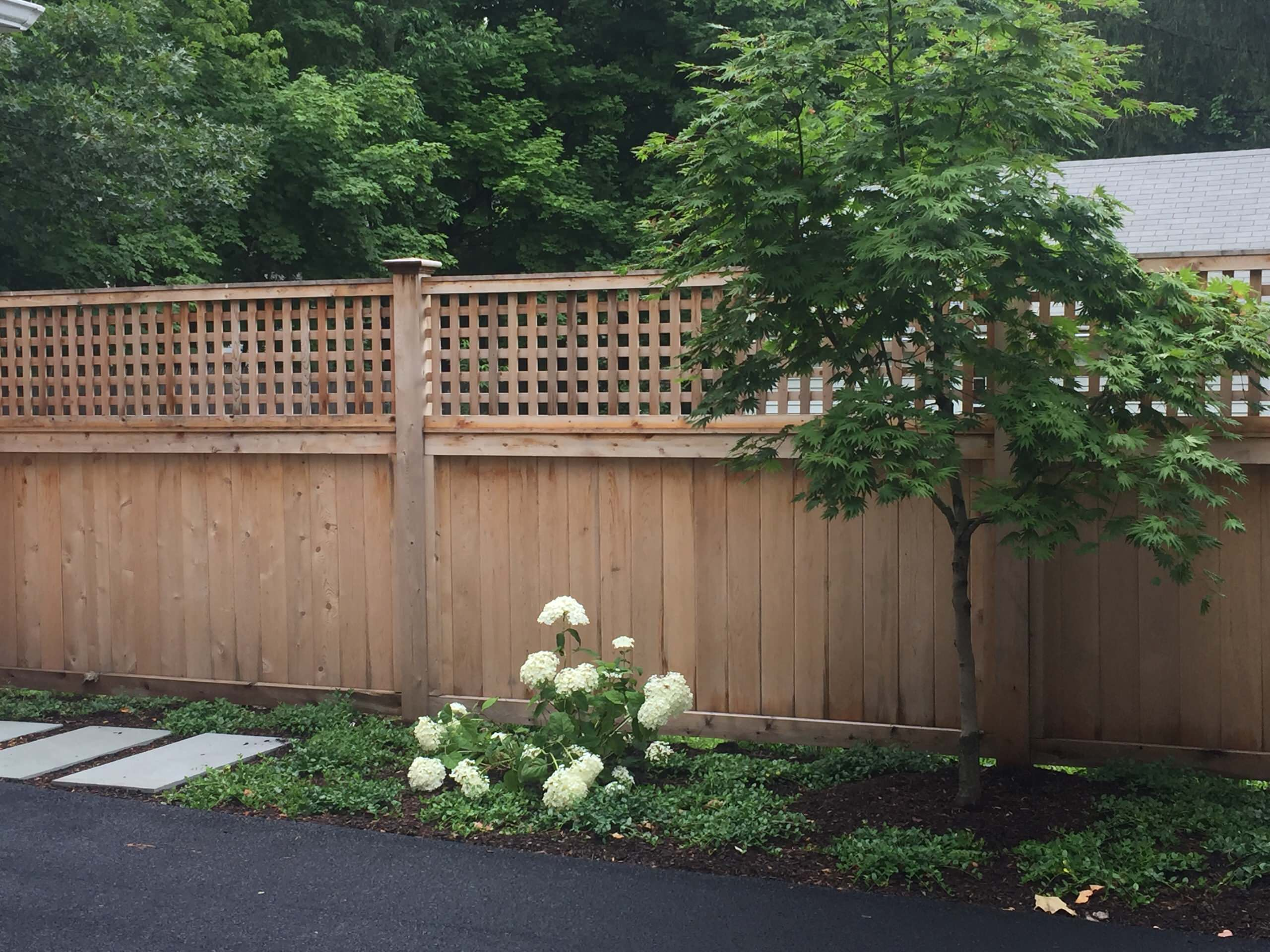 board fence with lattice topper