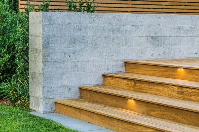 Board Formed Concrete Retaining Wall and Ipe Deck - Modern ...