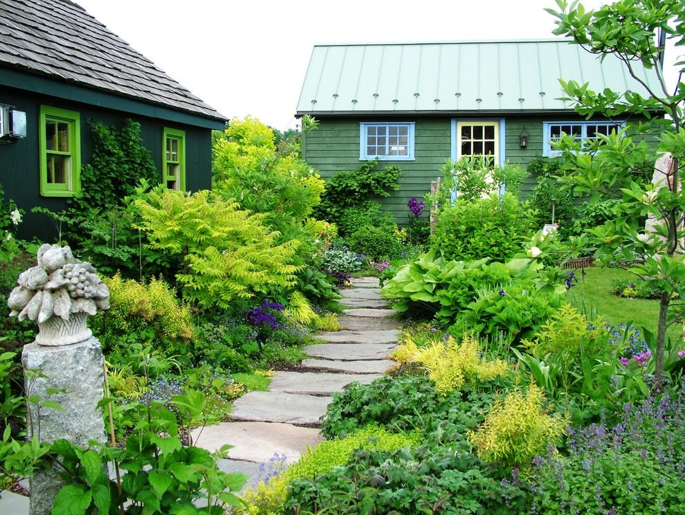 Photo of a farmhouse stone garden path in Philadelphia.