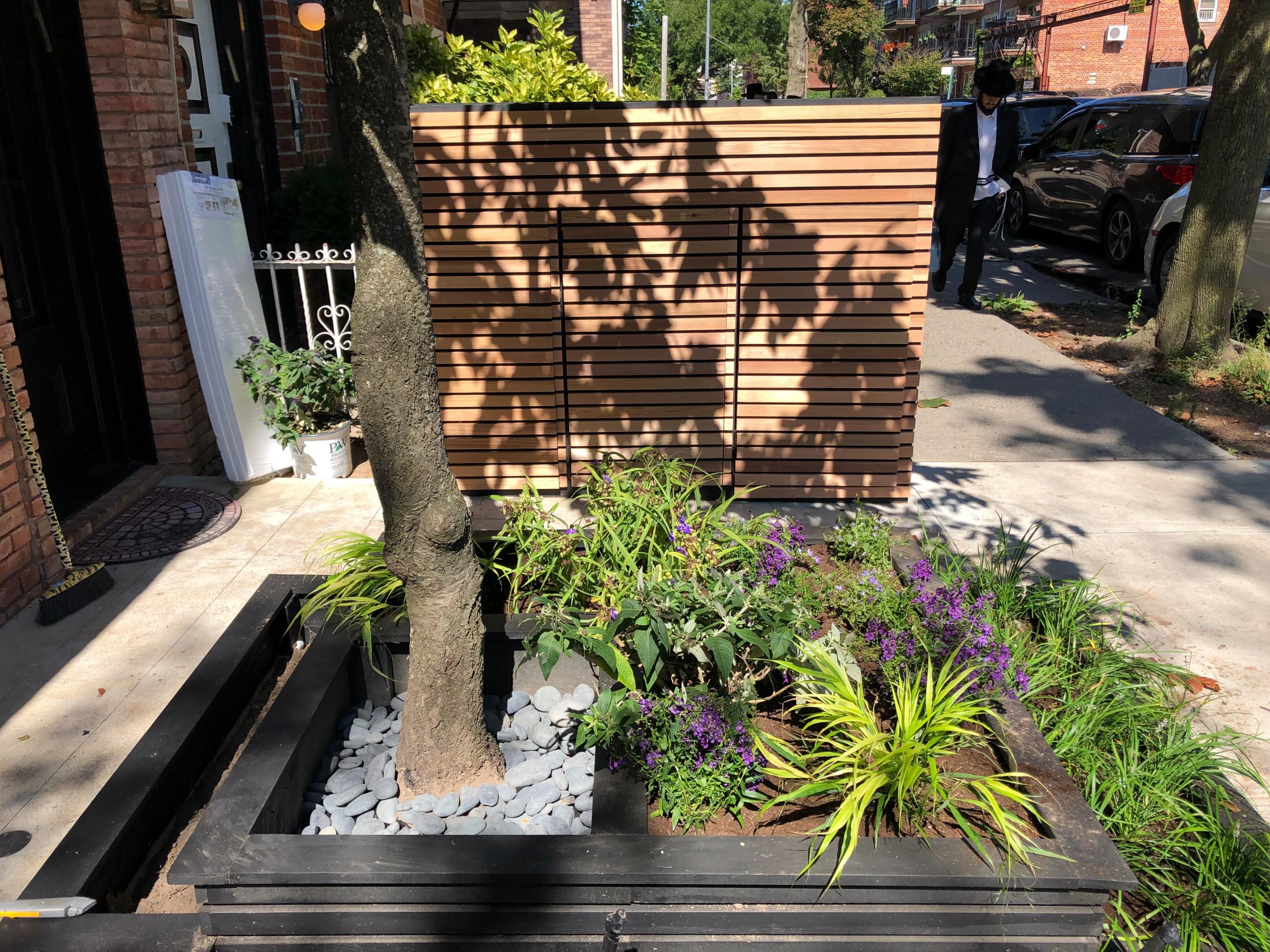 Borough Park Front Garden