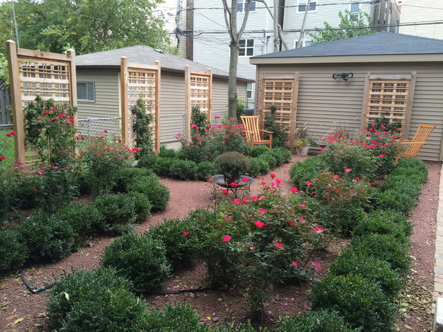 Landscaping With Boxwoods And Roses : Boxwoods roses ukranian village