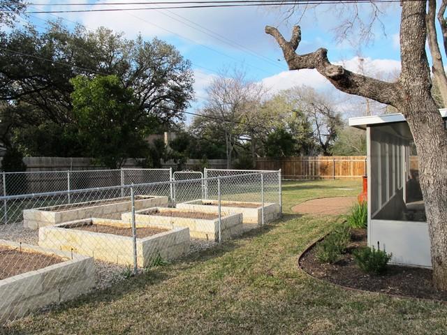 Briarwood, Greenbelt Homes, Austin traditional-landscape