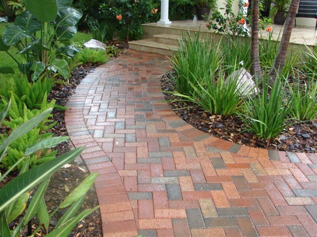 Brick walkway traditional landscape tampa by for Landscaping bricks