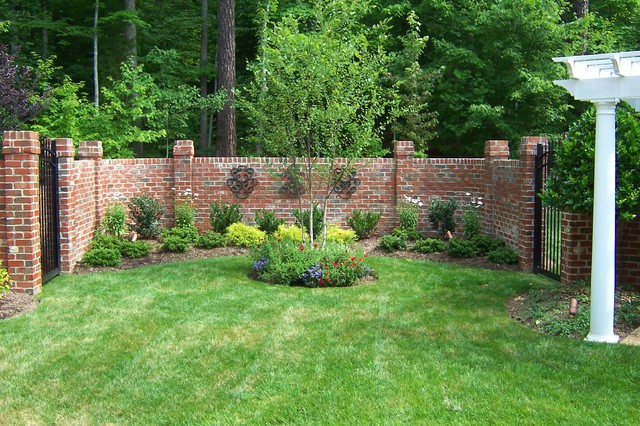 Traditional white kitchen designs - Brick Walled Courtyard
