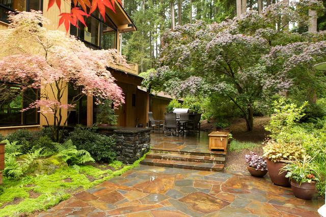 Bridle Trails Woodland Garden Traditional Landscape