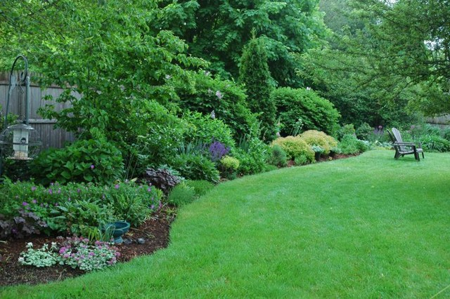 Bristol Garden - Traditional - Landscape - Providence - By Sunflower Designs