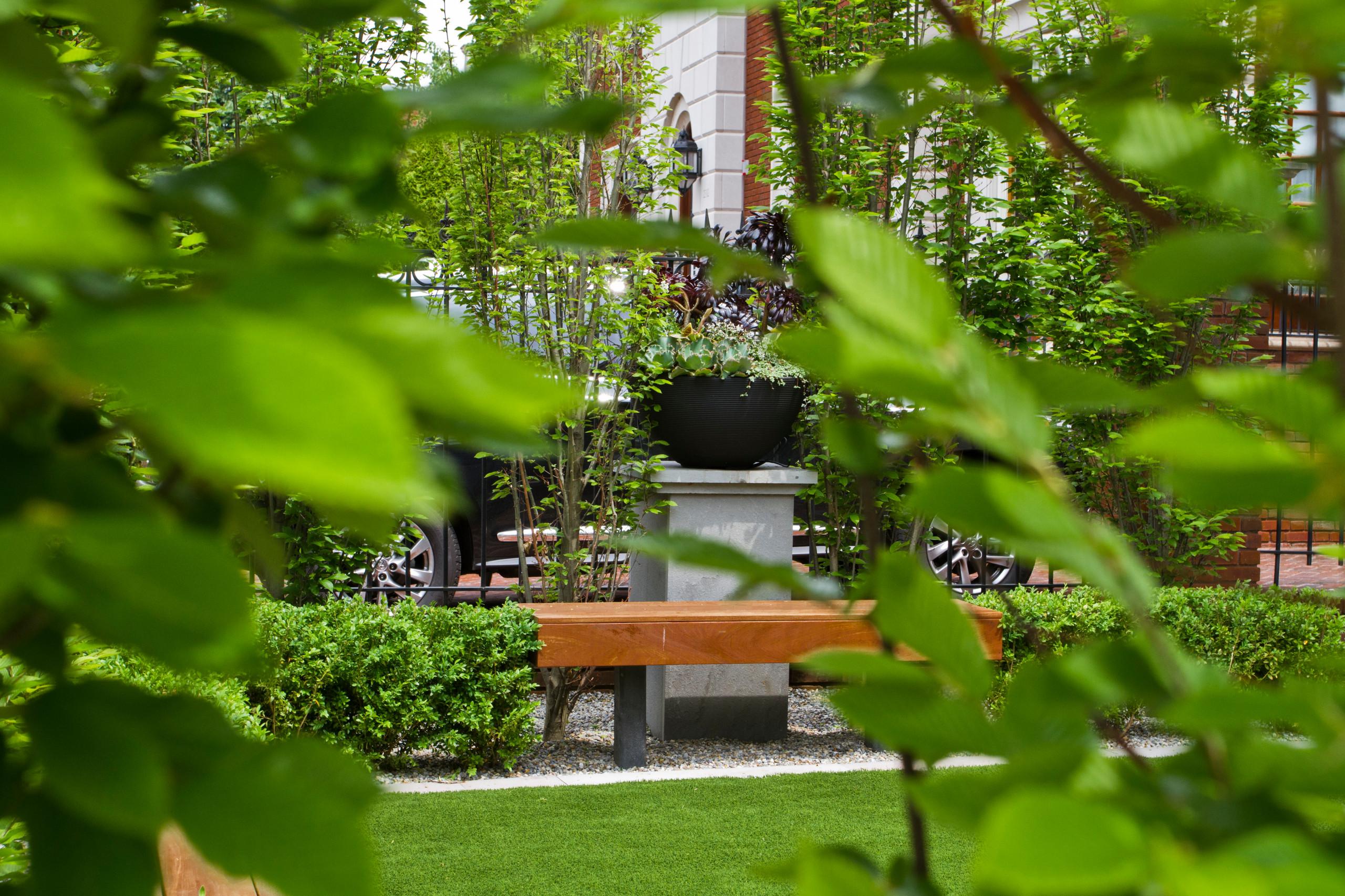 Brooklyn front garden