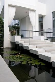 Brown Davis Interiors, Inc. - Contemporary - Landscape - Miami - by BROWN DAVIS INTERIORS, INC.