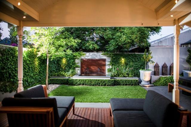 Brunswick courtyard garden garden melbourne by chris for Courtyard landscaping melbourne