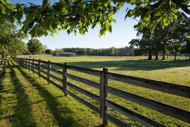 Bull Horn Ranch horse farm pasture - Farmhouse - Landscape - Raleigh - by Legacy Farms and ...