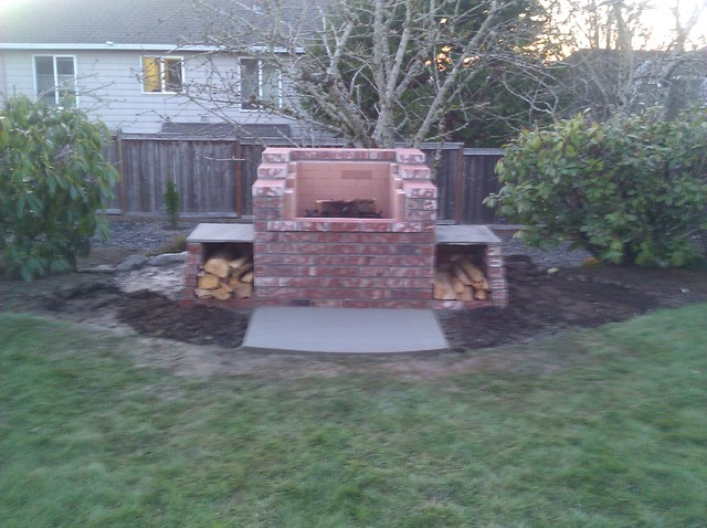 Bull Mountain Raised Fire Pit Traditional Landscape