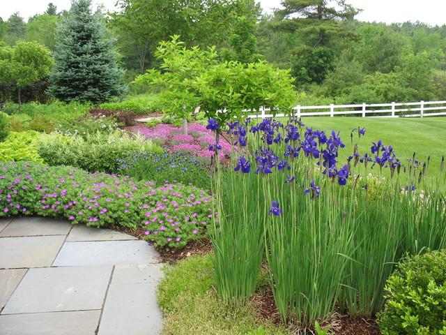 Design Ideas For A Traditional Full Sun Backyard Concrete Paver Landscaping  In Burlington.