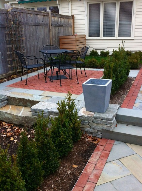 Burlington Townhouse Entry Garden contemporary-landscape