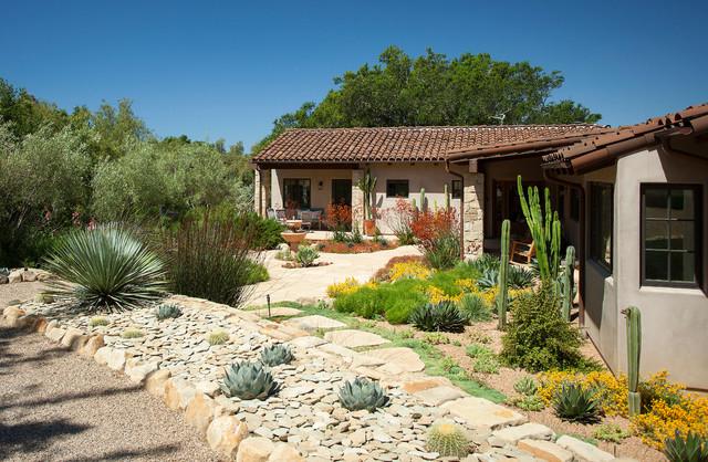 California spanish ranch home mediterranean landscape for Piani casa ranch california