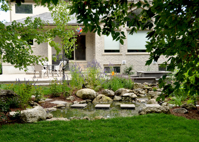 Cambridge Water Feature Traditional Landscape Toronto By Earthscape Landscape Design