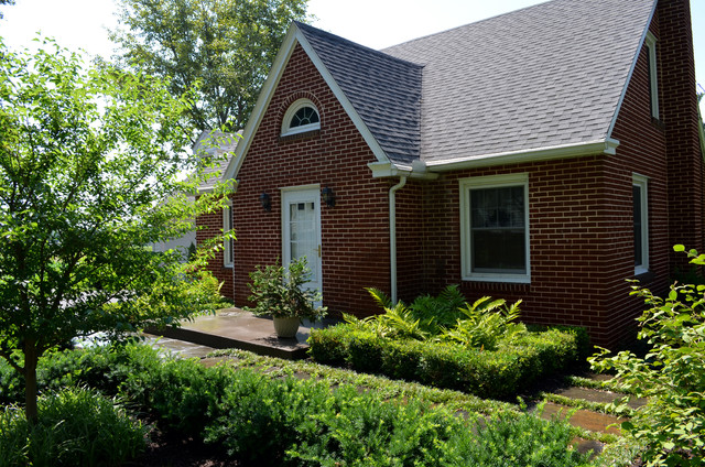 Cape cod front entry garden traditional landscape for Landscaping for cape cod style houses