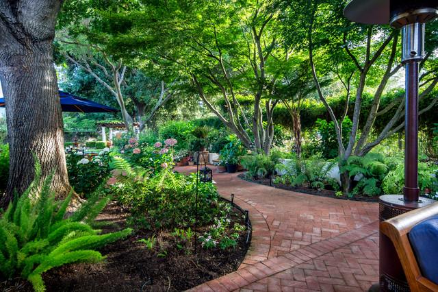 Casa smith 39 s california garden mediterranean landscape for Garden design llc