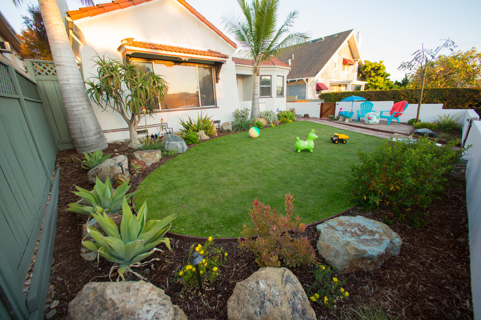 Child friendly drought tolerant front yard - Traditional ...