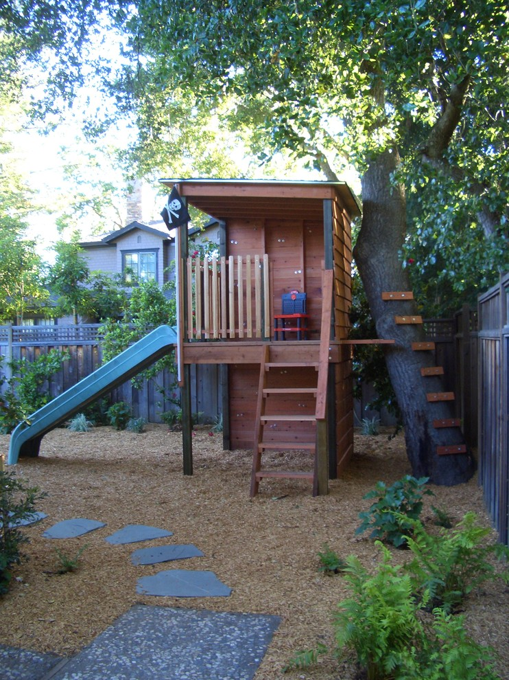 Design ideas for a traditional outdoor playset in San Francisco.
