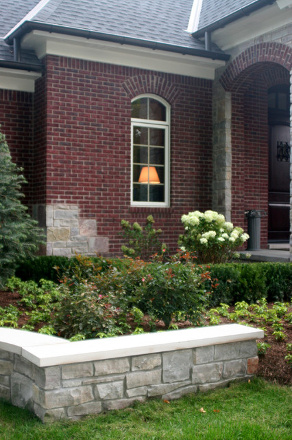 Chilton traditional landscape detroit by courtyard for Courtyard stone landscape