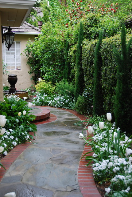 Classical entryway traditional landscape san for Entryway garden designs