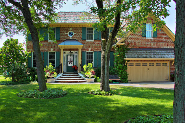 Colonial Charm - Glenview Residence traditional-landscape