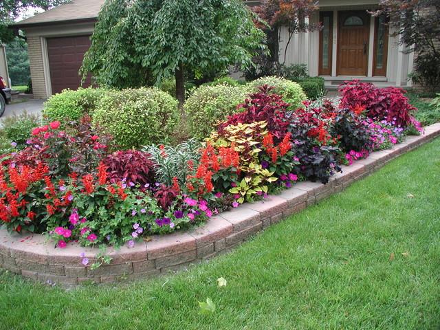 Landscaping Rocks Grand Rapids Mi Of Color Explosion Traditional Landscape Grand Rapids