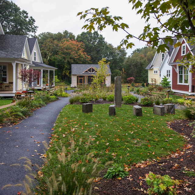 Concord Riverwalk traditional-landscape