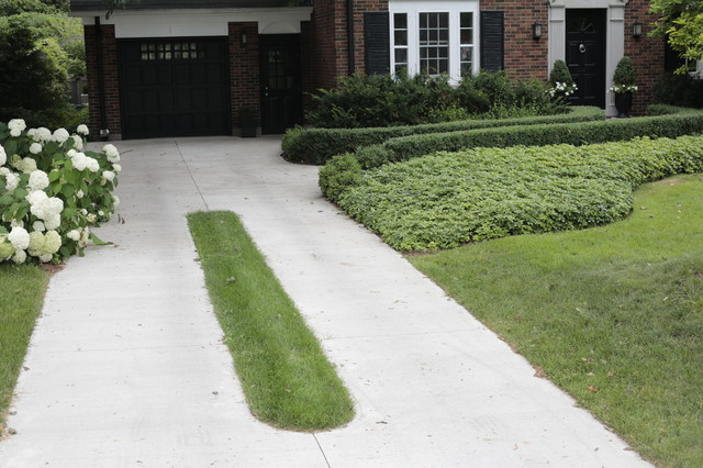 Concrete Driveway With Grass Inlay Traditional