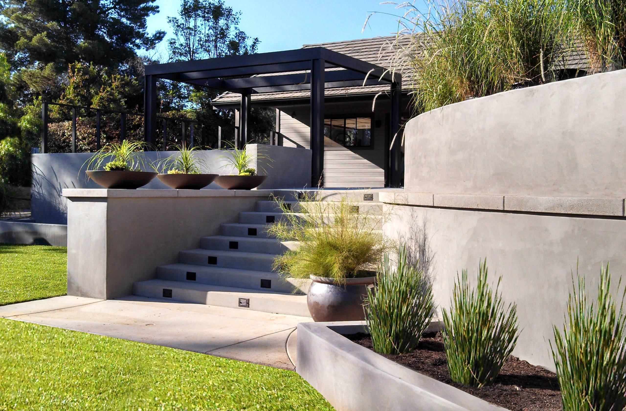 Concrete retaining walls and wood trellis - Contemporary - Landscape - San  Diego - by Springfield Design | Houzz