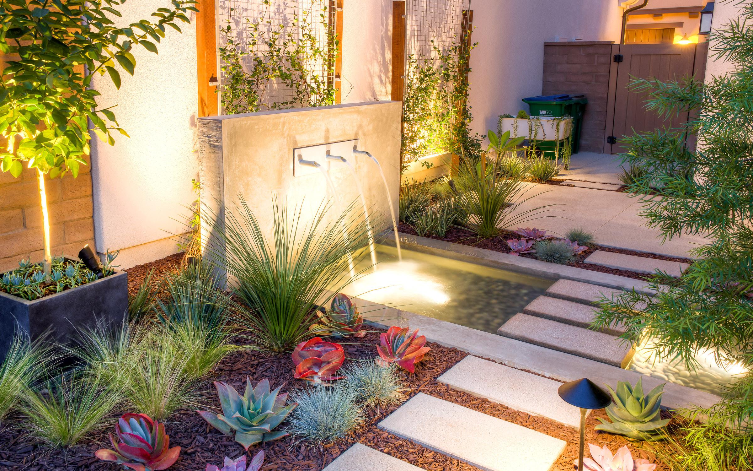 75 Beautiful Modern Water Fountain Landscape Pictures & Ideas - June, 2021  | Houzz